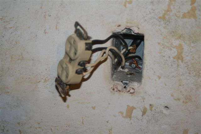 Changing an outlet, Grounding Procedure-img_3865.jpg