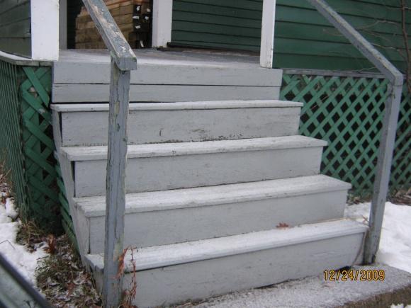 Exterior steps,  Need temporary fix till summer-img_4053.jpg