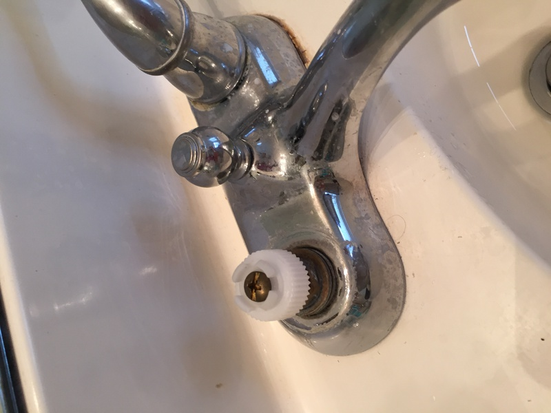 Faucet handle problems-img_4678.jpg