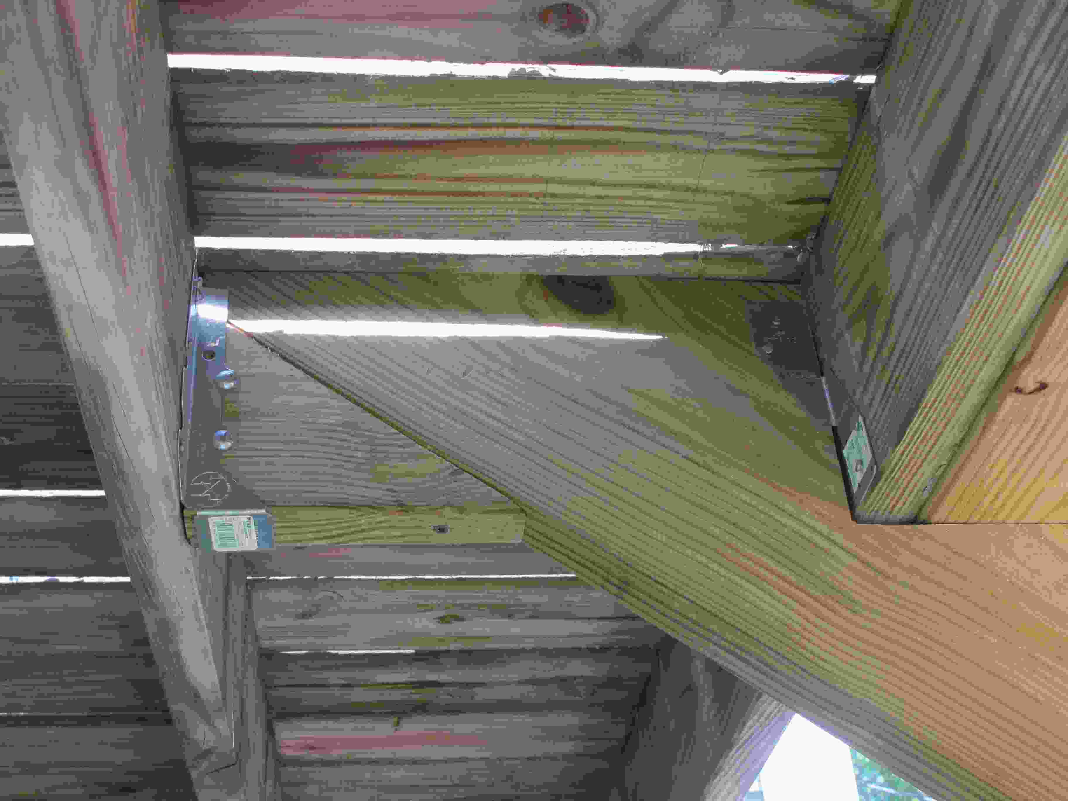 Deck: how to attach stringers-img_4742r.jpg