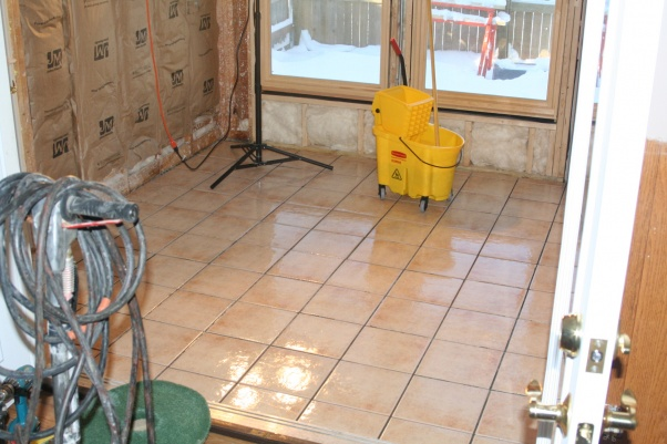 My First (ceramic) Tile Floor, all down, without grout-img_4771.jpg