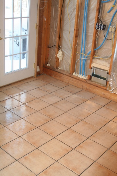 My First (ceramic) Tile Floor, all down, without grout-img_4775.jpg
