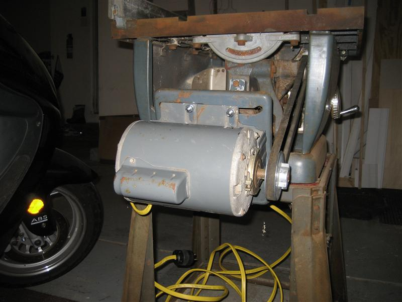 Ooooold table saw restoration.-img_4864-medium-.jpg