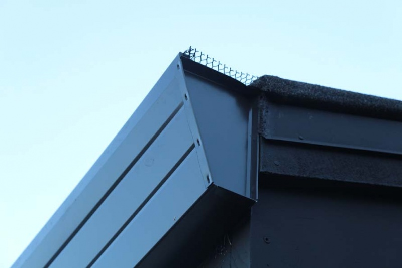 Wrong slant to gutters-img_5067s.jpg