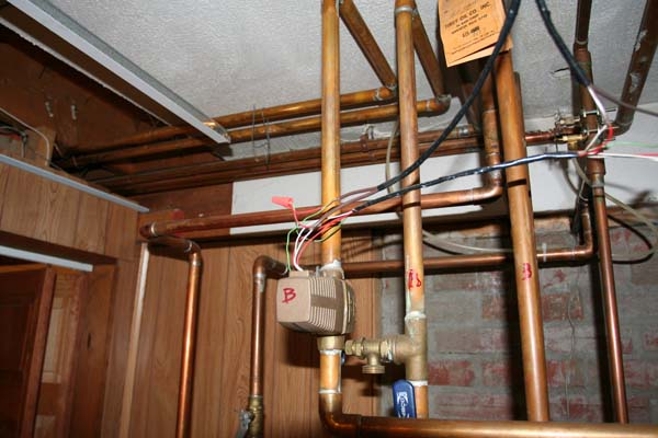 Draining heating pipes to do work on walls-img_5255.jpg