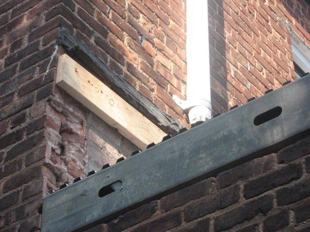 Should we use Copper or Aluminum flashing to waterproof our terrace?-img_5277.jpg