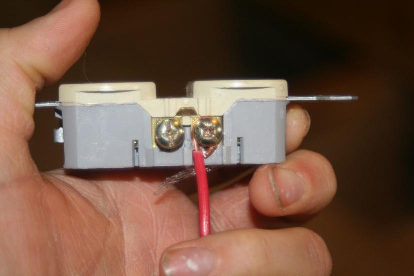 screw down type receptacles-img_5345.jpg