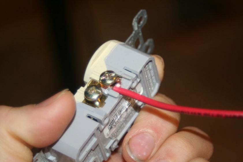 screw down type receptacles-img_5348.jpg