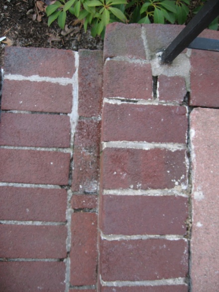 Repointing brick on front steps-img_5549.jpg
