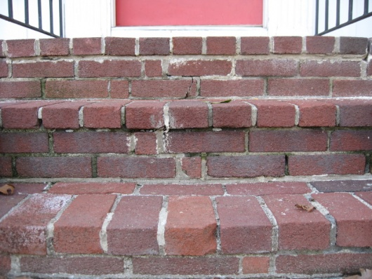Repointing brick on front steps-img_5550.jpg