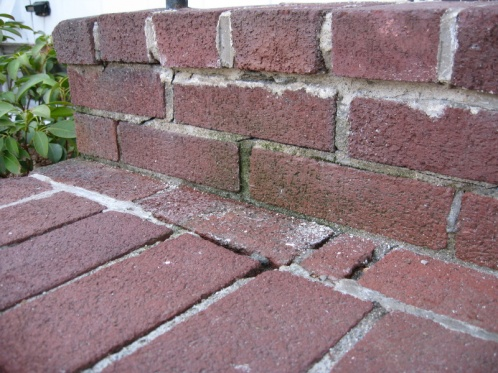 Repointing brick on front steps-img_5552.jpg