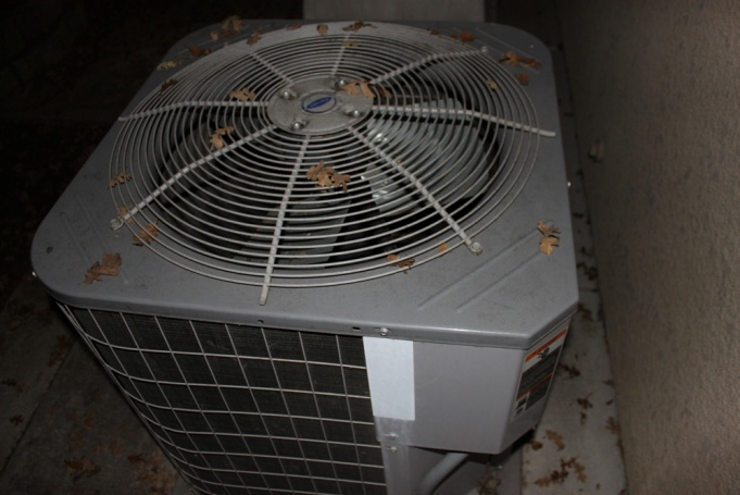 Help! My outdoor fan won't engage!!??-img_5776.jpg