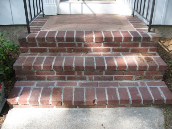 Repointing brick on front steps-img_5864.jpg