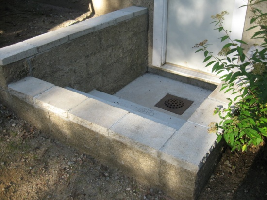 Rebuild concrete steps leading to basement-img_5891.jpg