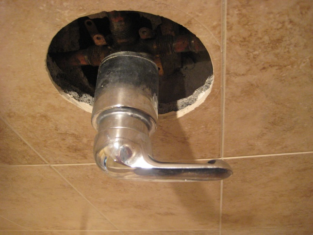 Stuck Shower Faucet Handle (Delta)-img_5981.jpg