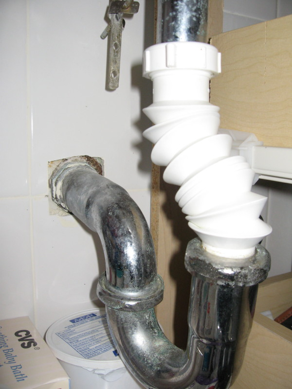 Bathroom Sink Pipes Does This Look Right Plumbing DIY Home - Bathroom sink drain pipe extension