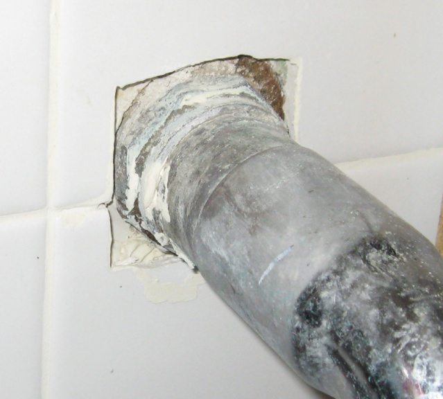 Bathroom sink pipes - does this look right?-img_6041a.jpg