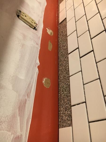 Gap between counter and wall-img_6451.jpg