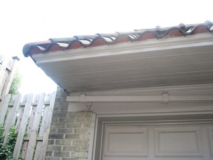 Wooden Soffit Repair on 80 Year Old Home-img_6586.jpg