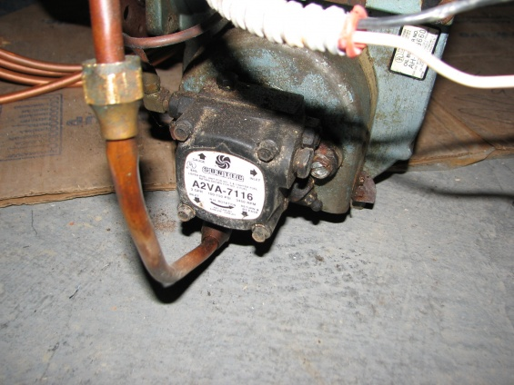 Fuel Oil Burner - Pump - 2 line-img_6657.jpg