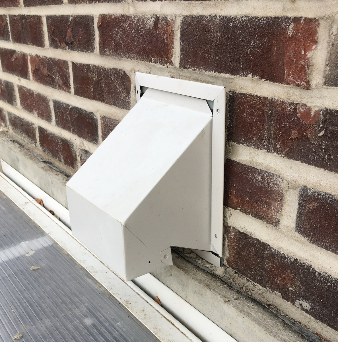 Insulating bathroom fan to cold exterior-img_6916.jpg