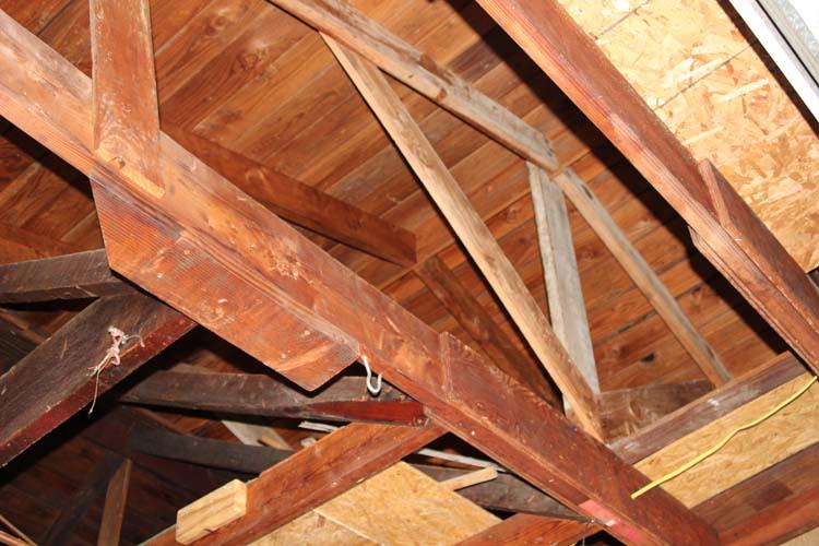 Sagging garage ceiling joist building construction