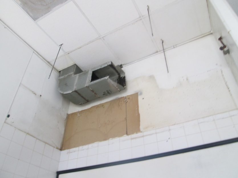 How to remove/cut this thick metal commercial hood duct?-img_8016.jpg