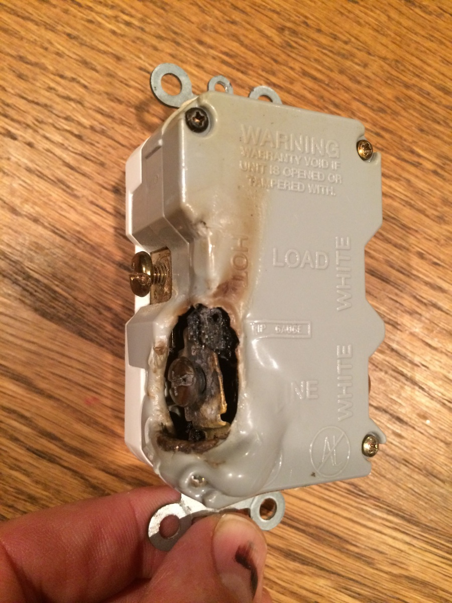 Why Did My Gfci Melt Before Circuit Breaker Tripped Electrical How Does A Work