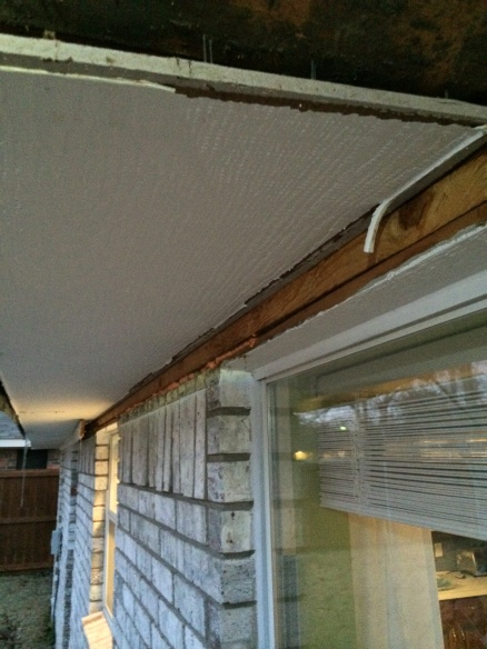 Cutting Masonite soffit flush against house-img_8351.jpg