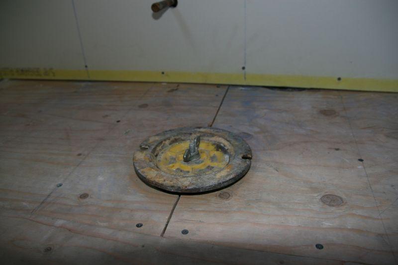 Toilet Flange - Plumbing - DIY Home Improvement | DIYChatroom