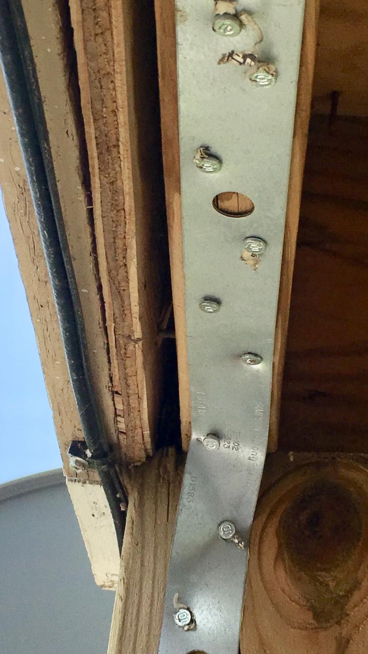 Is deck safe? Violations? Pt. 1-img_9661.png