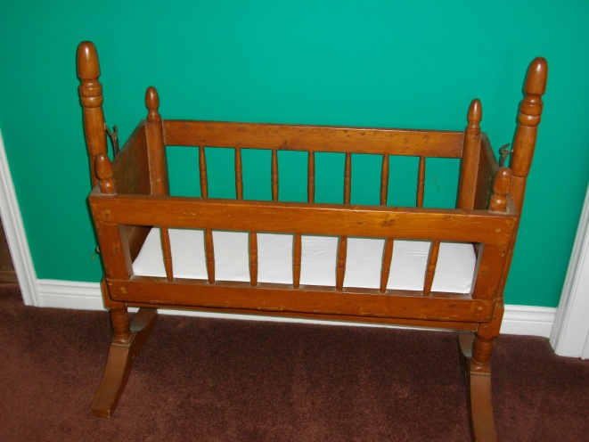 Decorating with antique baby cradle-imgp3514.jpg