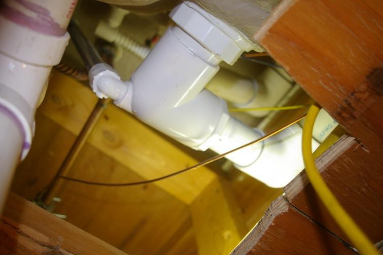 Plumbing leak - help-imgp4303.jpg