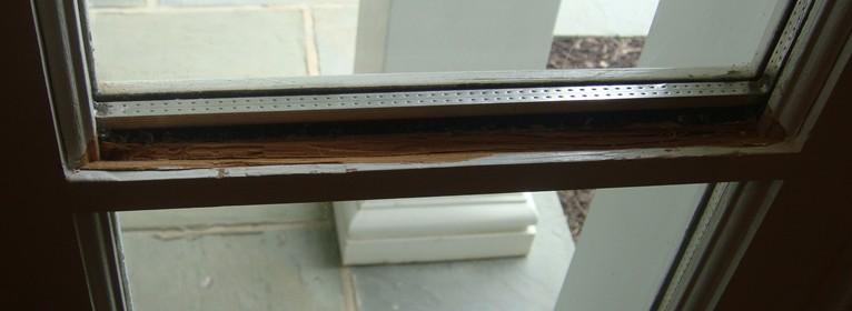 TDL-How to replace one broken pane?-interior-horizontal-corner-small.jpg