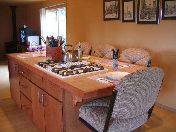 Ironstone Countertops-island-seating.jpg