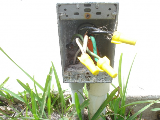 Another Pool Bonding Question-junction-box-opened.jpg