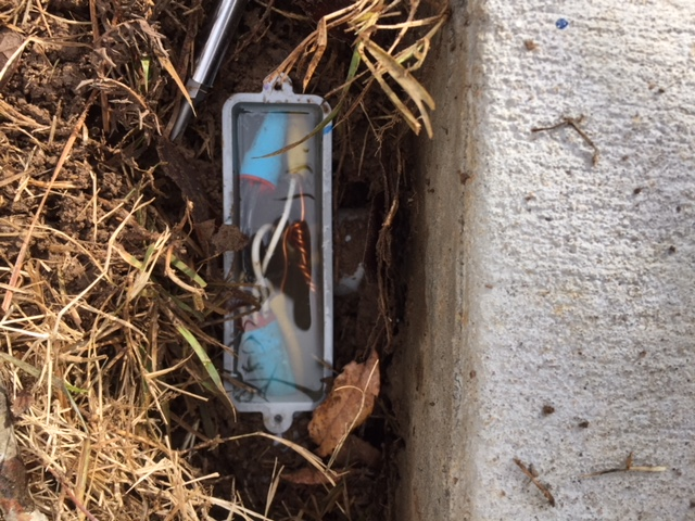 Water in an outdoor junction box how to seal electrical - Sealing exterior electrical boxes ...