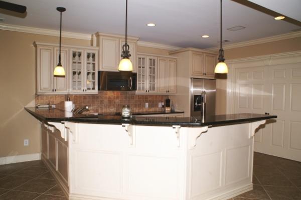 Crown molding in the kitchen kitchen 1 jpg