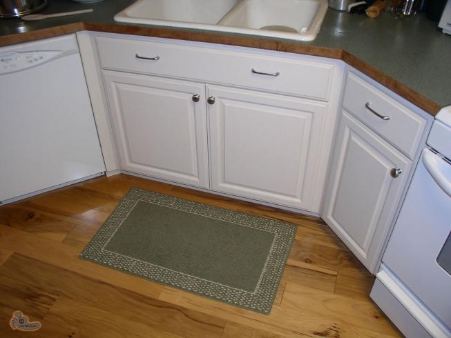 Flooring for Kitchen-kitchen-hdwd-area-rug1.jpg