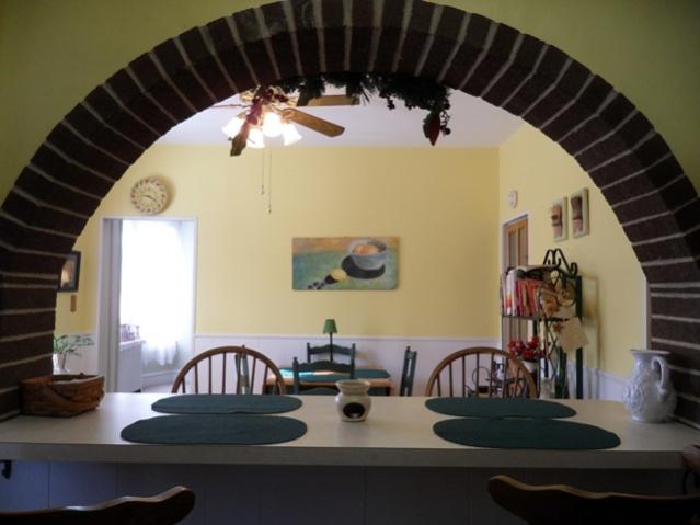 Kitchen Cabinet Suggestions + General Kitchen Suggestions-kitchen-old3.jpg