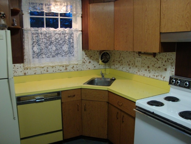Remove kitchen backsplash?-kitchen1.jpg