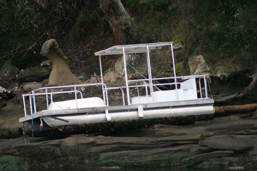 Gulf Island Building.-lesboat-rox.jpg