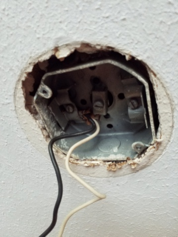 Ceiling Fixture Ground Wire