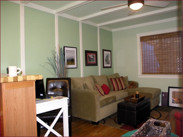 What Size Crown Molding?-living-area02.jpg