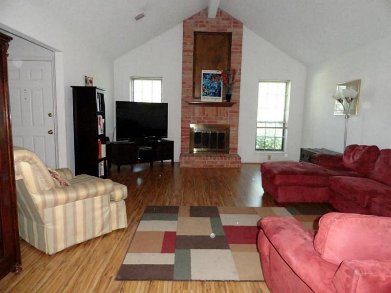 help me pick wall color please-living-room.jpg