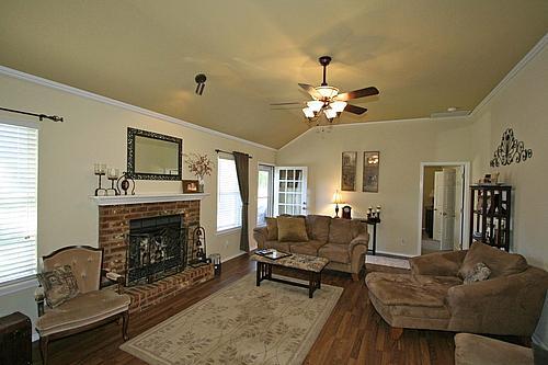help with choosing color-livingroom2_500.jpg