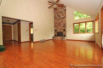 No support beams in basement?-livingroomwallforfishtank.jpg