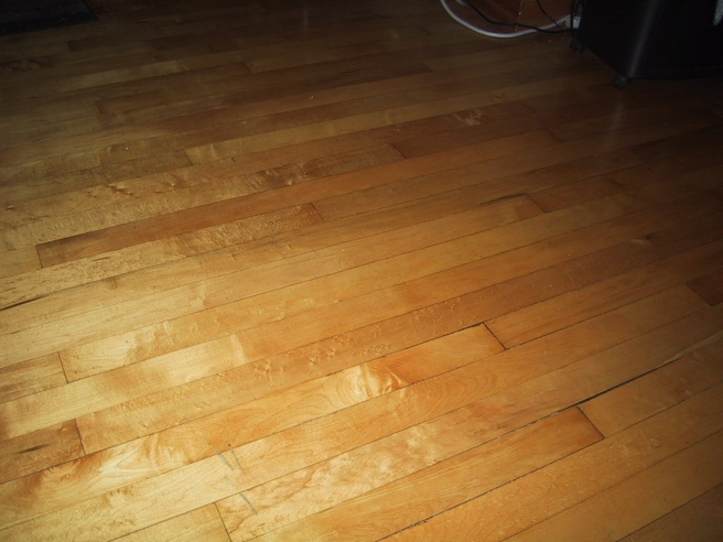 What kind of wood is this?-maple-hardwood.jpg