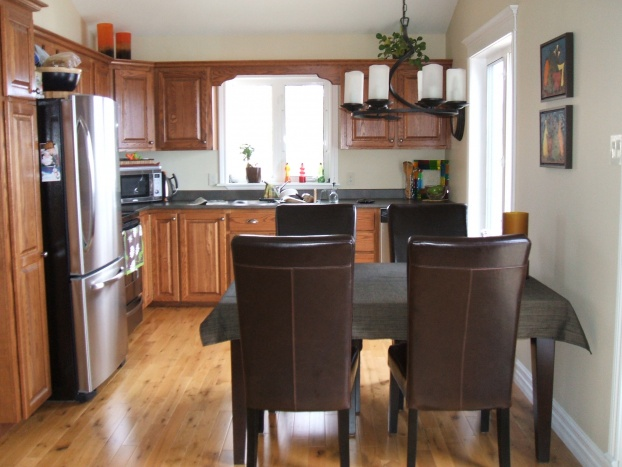Help with adding more seating room in Kitchen!-mar-2010-051.jpg