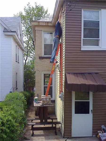 Passing on an extension ladder.-men-die-before-women-6.jpg